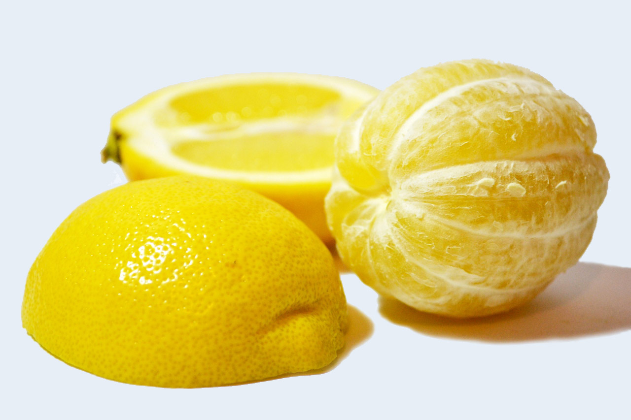 4 Reasons to Start Your Day with Lemon Water